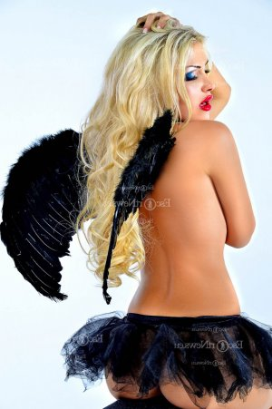 Meryeme independent escort