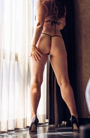 Alcinda independent escort in Burlington
