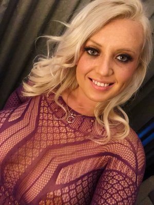 Emma-louise call girls in Laguna Niguel