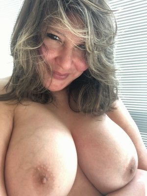 Rosanne incall escort in Farmington