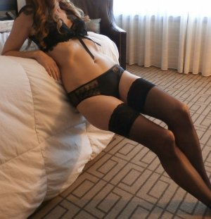 Lilie-rose live escort in Parkway California